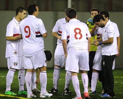 Interclubes 2015: São Paulo se recuperou da estreia com derrota e venceu o Ipê Clube no Morumbi.